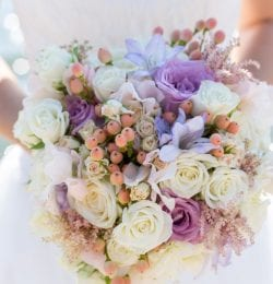northern california elopement package, bride holding bouquet